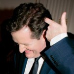 piers-morgan-gun-fingers-2011_Cropped